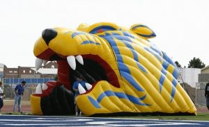 Inflatable tiger head tunnel
