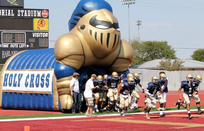 Inflatable team mascot tunnel