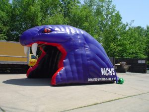 snake head inflatable tunnel